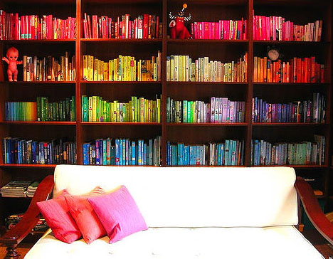 bookcase-sorted-by-color